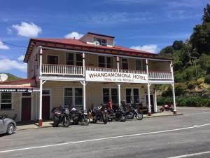 whangamomona-hotel